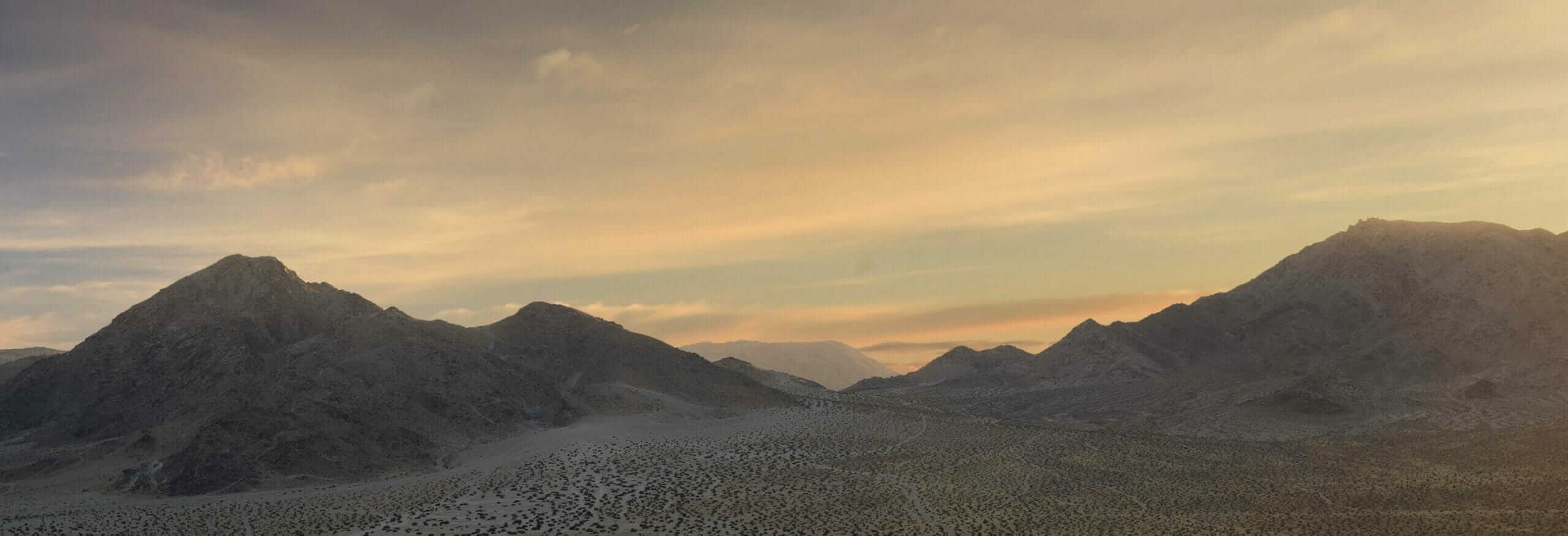 Mountain background for Conqueror MT